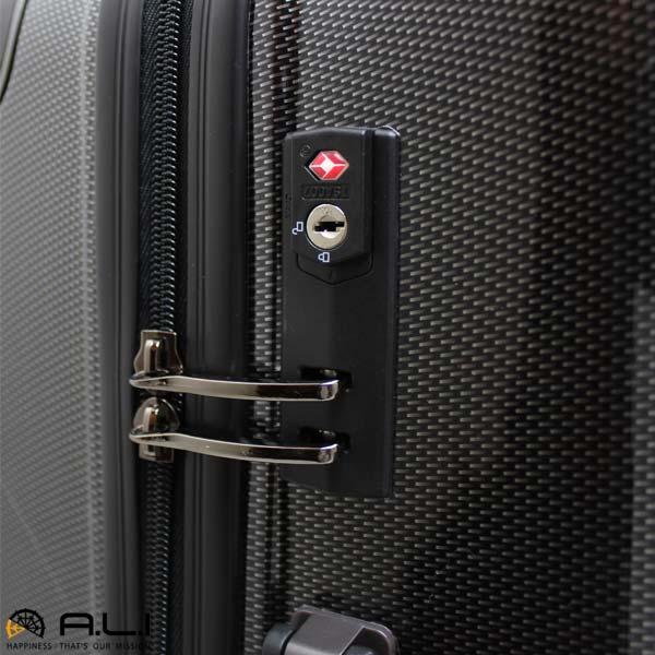 米国圏の空港でも施錠して荷物を預けられるTSAロック搭載